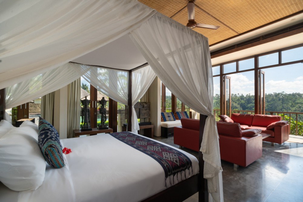 a comfort villa Ubud with field terrace view